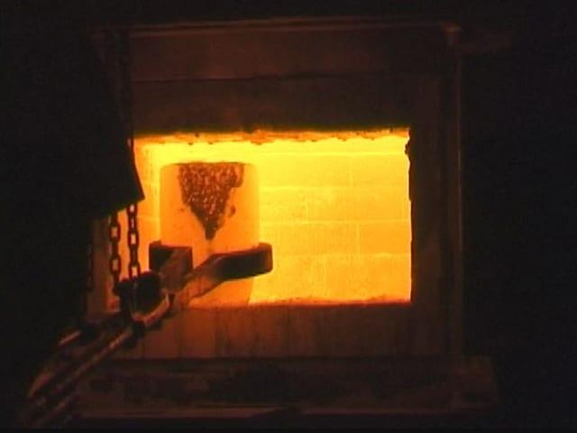 Gießen von Goldbarren