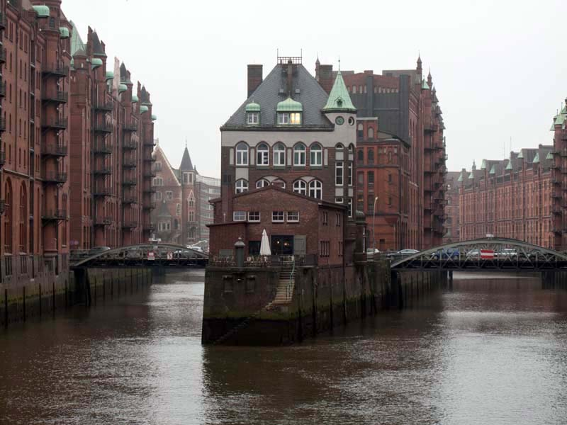 warehouse district speicherstadt in hamburg. Black Bedroom Furniture Sets. Home Design Ideas