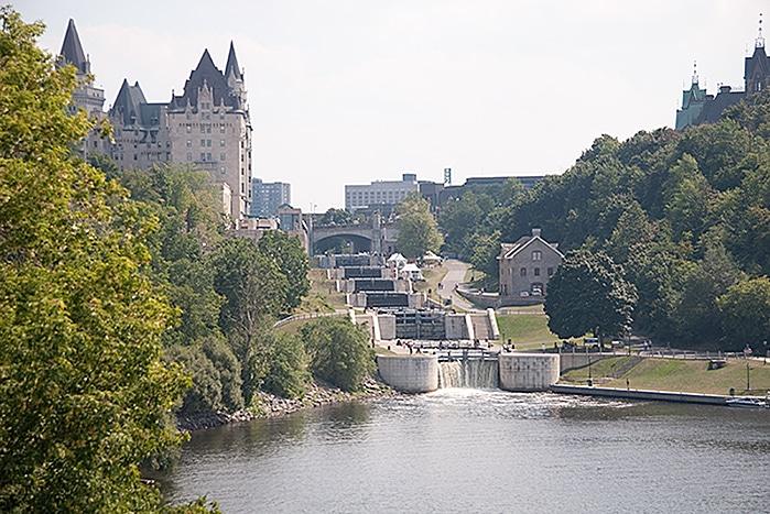 Rideau canal und Château Laurier