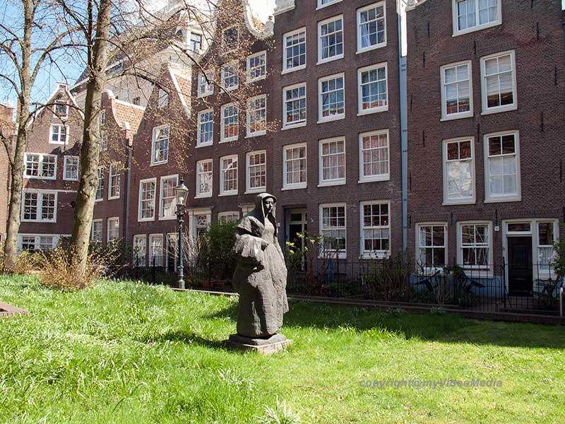Amsterdam_i_Begijnhof