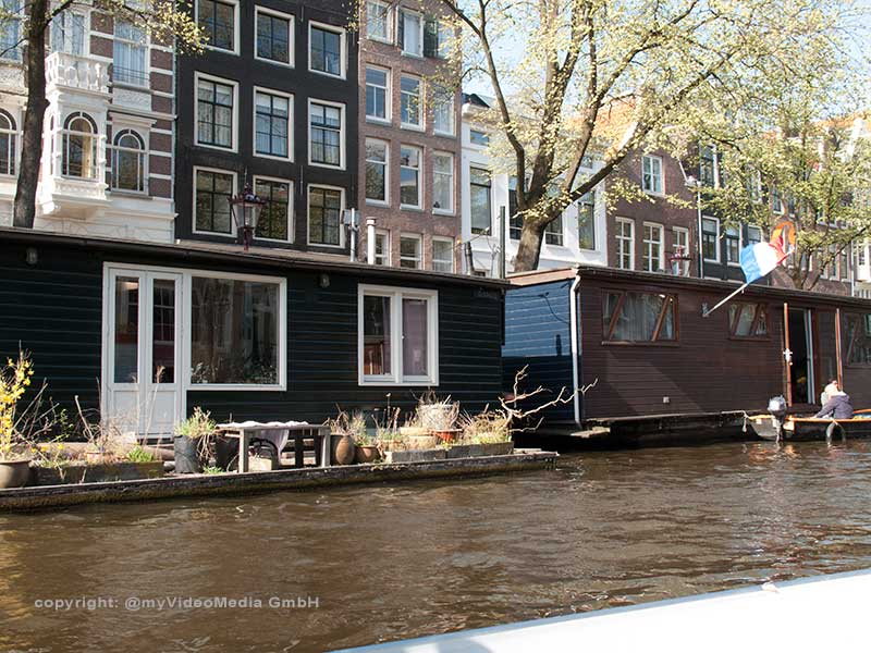 house boats Amsterdam