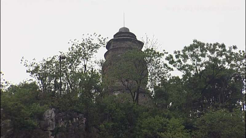 Puxian pagoda on top of Elephant Trunk Hill