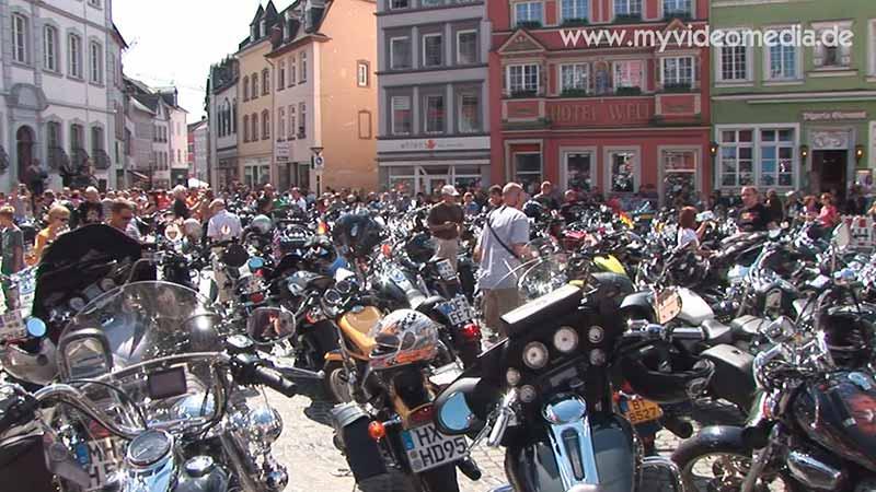 Harley Davidson auf MarktplatzWittlich