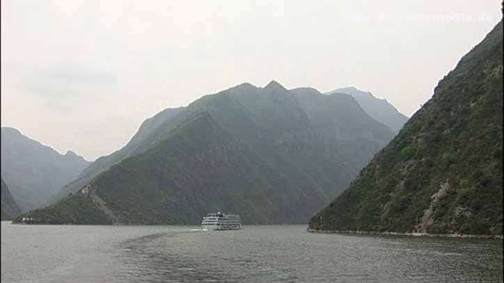passing the Wu Gorge