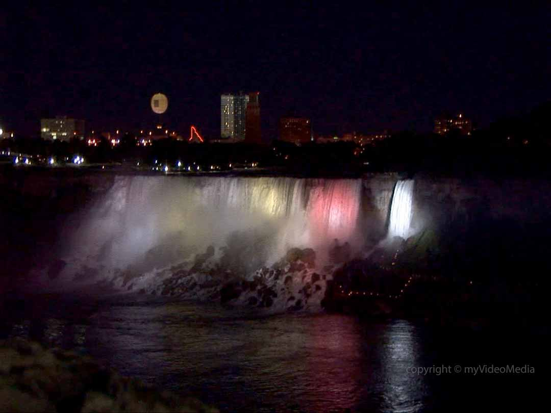 Niagara-falls illuminated