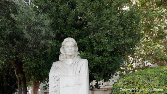 Bust of  Melina Mercouri