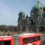Mit dem Bus durch die Innenstadt von Berlin