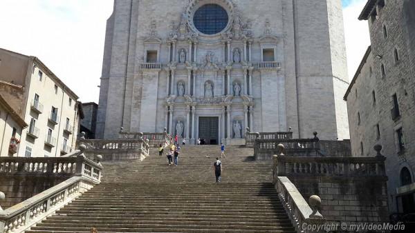 Freitreppe vor Kathedrale