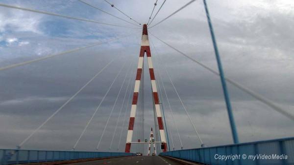 Bridge muzzle of the Loire