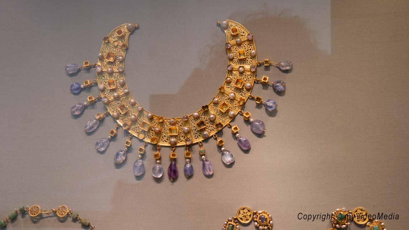 Old Museum - Jewellery