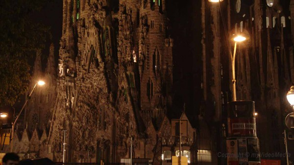 Sagrada Familia beleuchtet