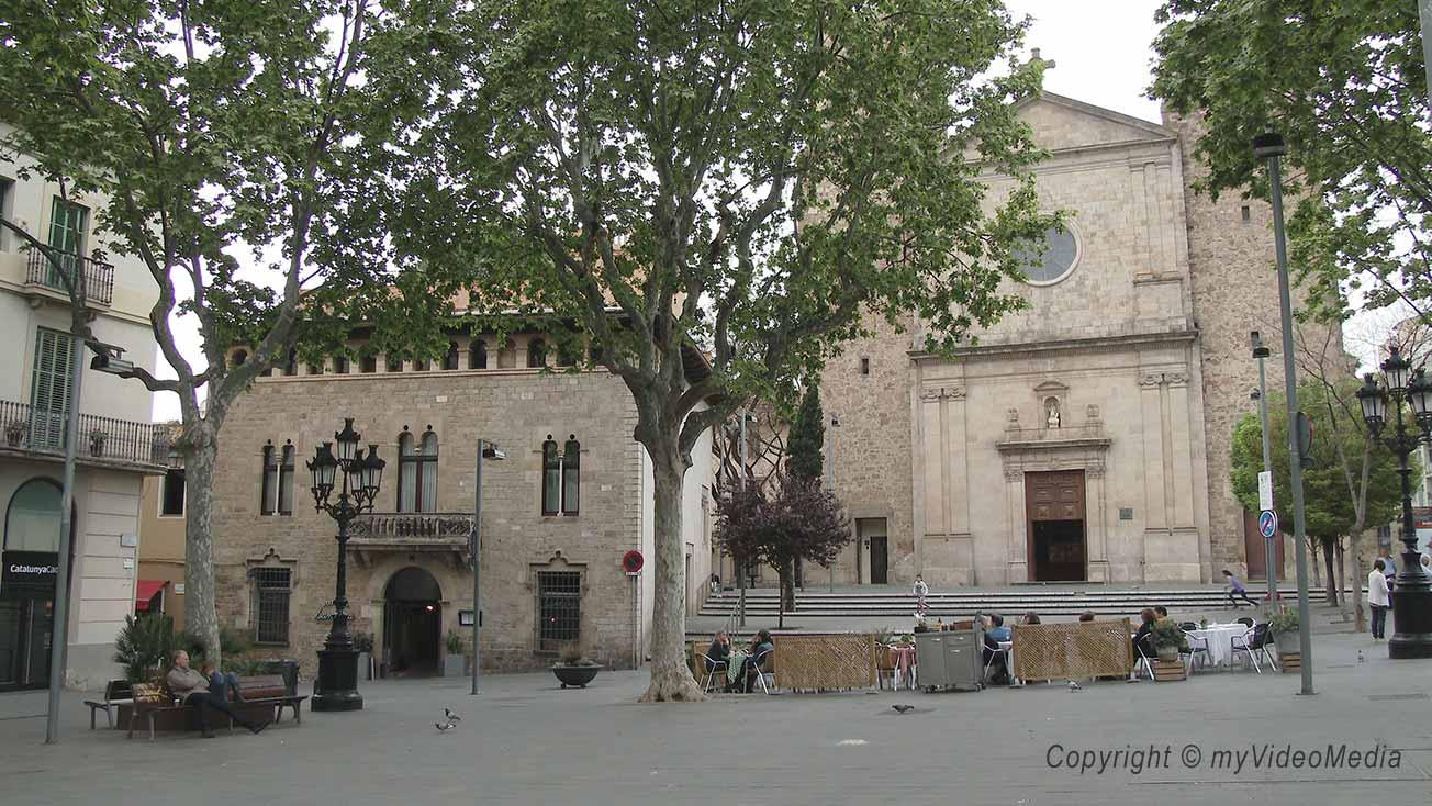 Sarri sant gervasi a village inside the city of barcelona - Tanatori sant gervasi barcelona ...