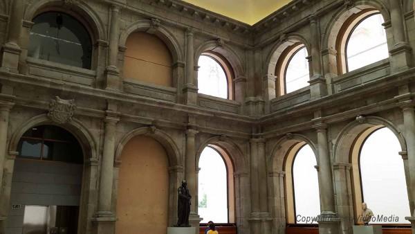 Kreuzgang San Jerónimo el Real