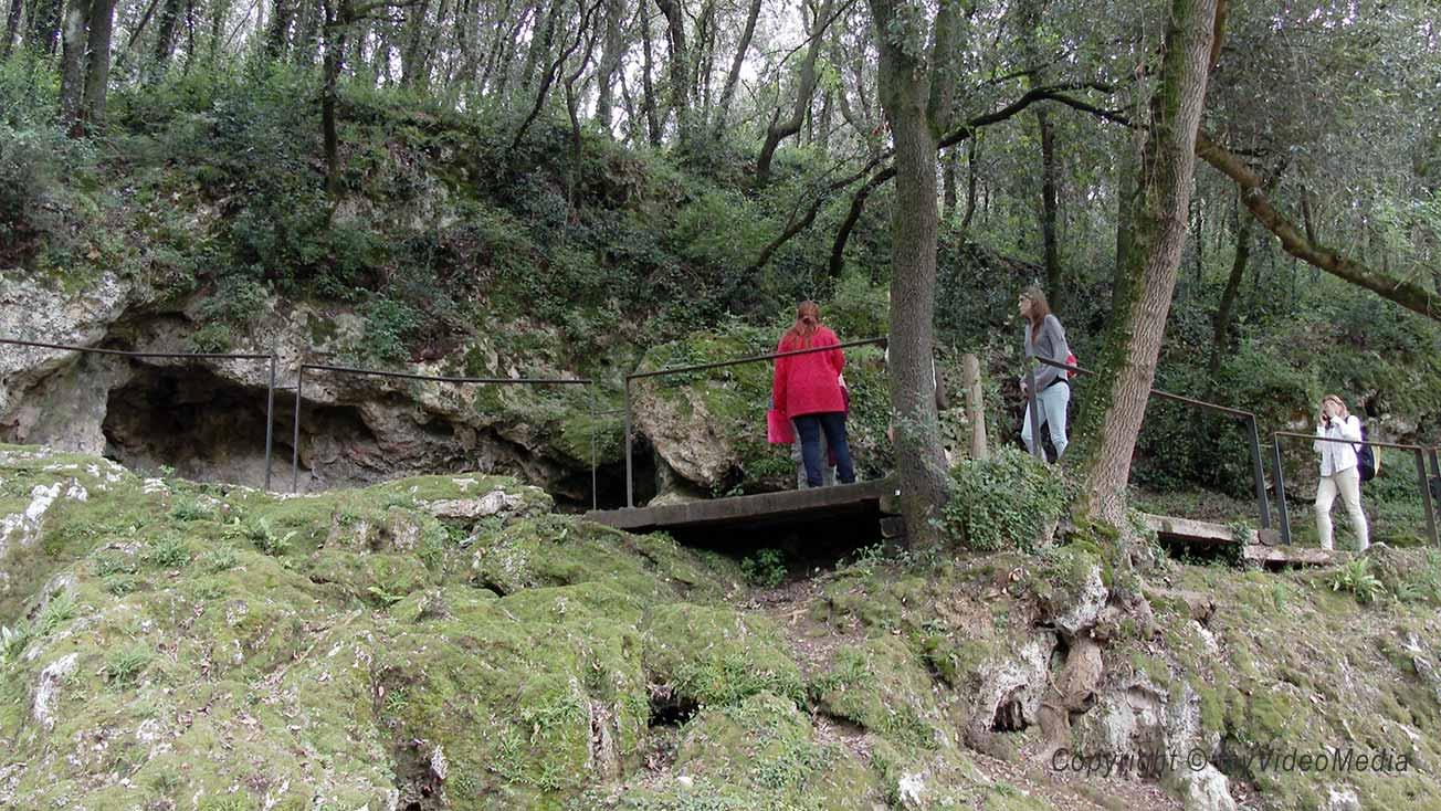 Mollet Höhle