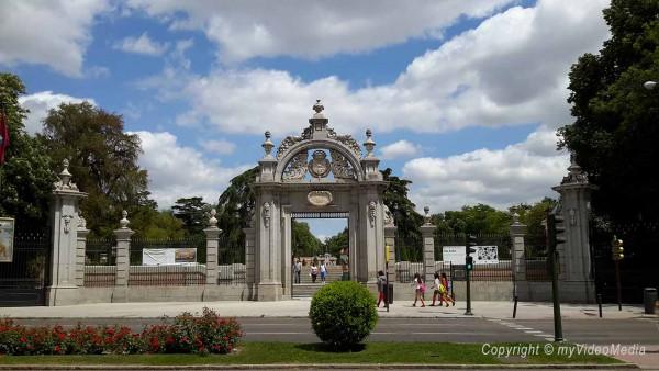 Entrance Parque del Retiro