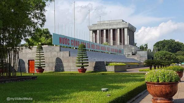 Ho Chí Minh Mausoleum