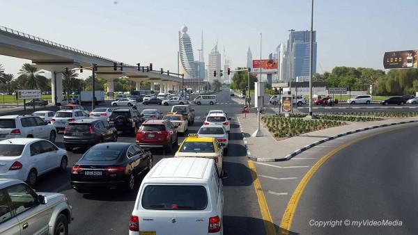Fahrt zum Burj Khalifa Dubai