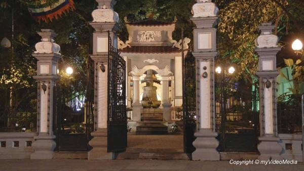 Le Thai To Tempel Hanoi-Vietnam-16