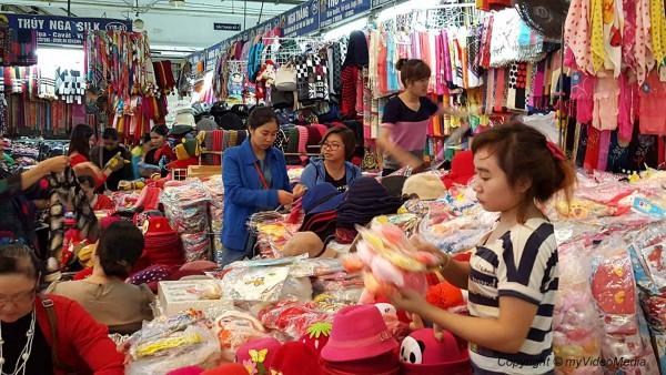 Dong Xuan Market Hanoi
