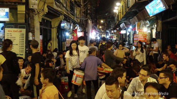 crowded Hanoi night market