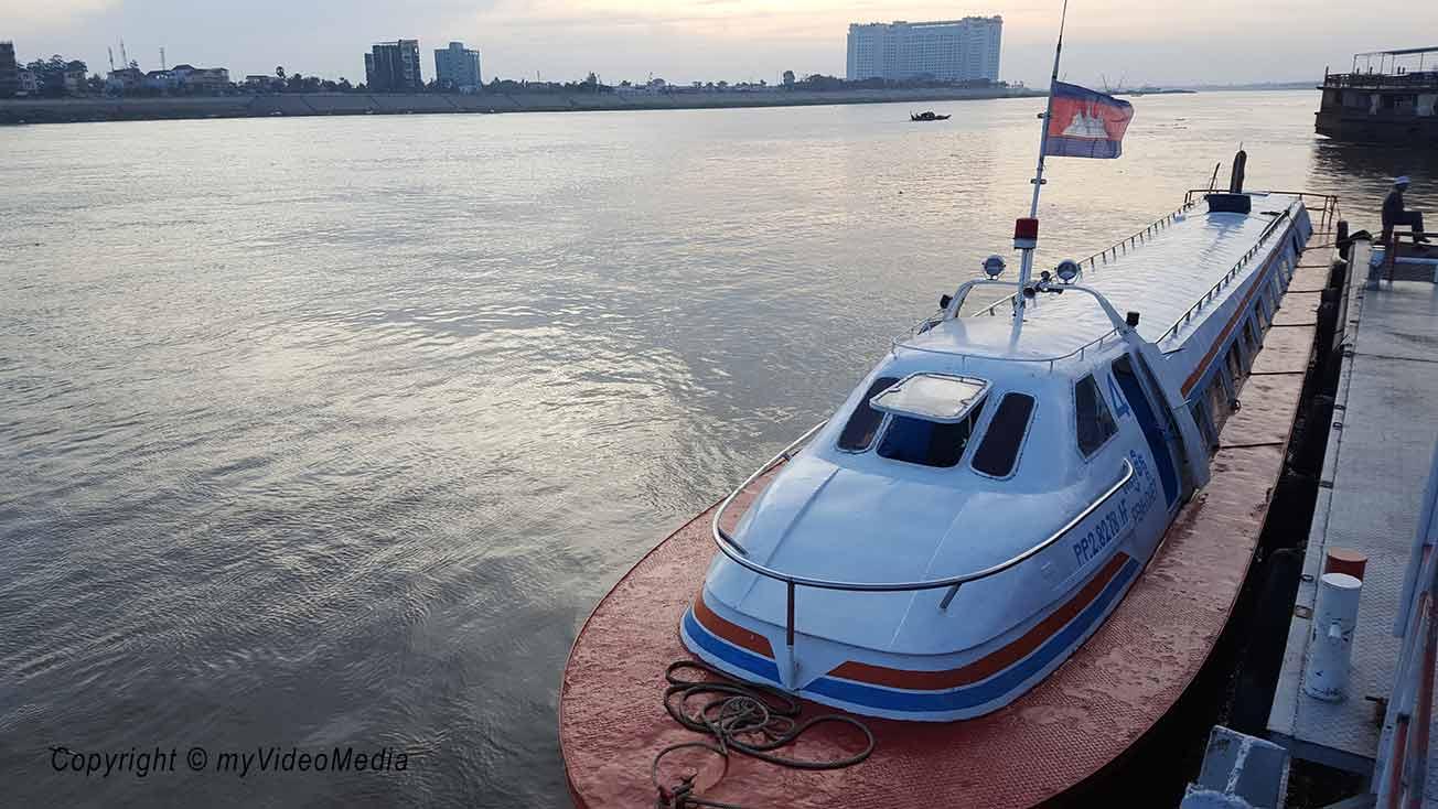 Speedboat Phnom Penh to Siem Reap