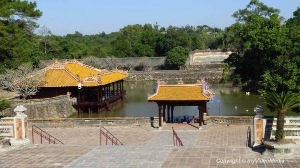 See am kaiserlichen Grab von Tu Duc