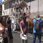 El Rocio Wallfahrt – Bruderschaft auf dem Weg durch Malaga