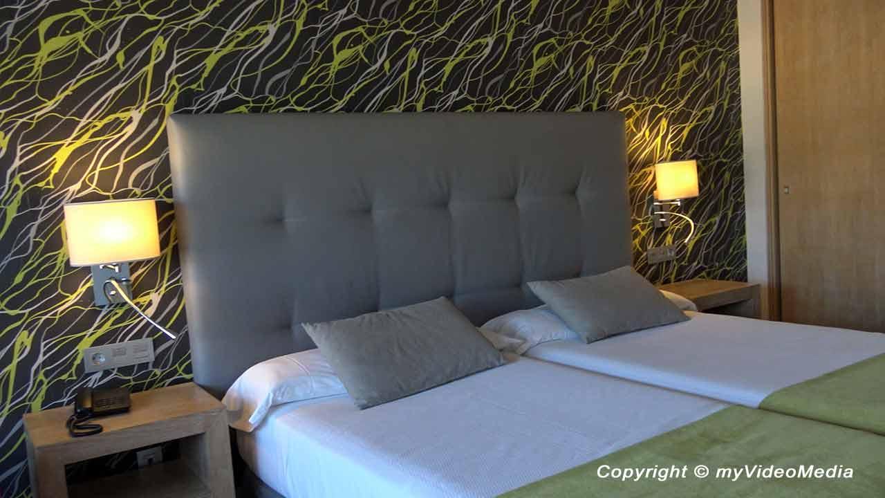 Room Hotel Carmen Granada