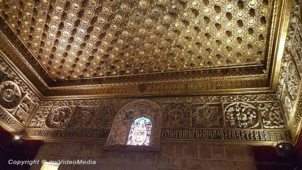 Alcazar von Segovia Kiefernzapfen Saal