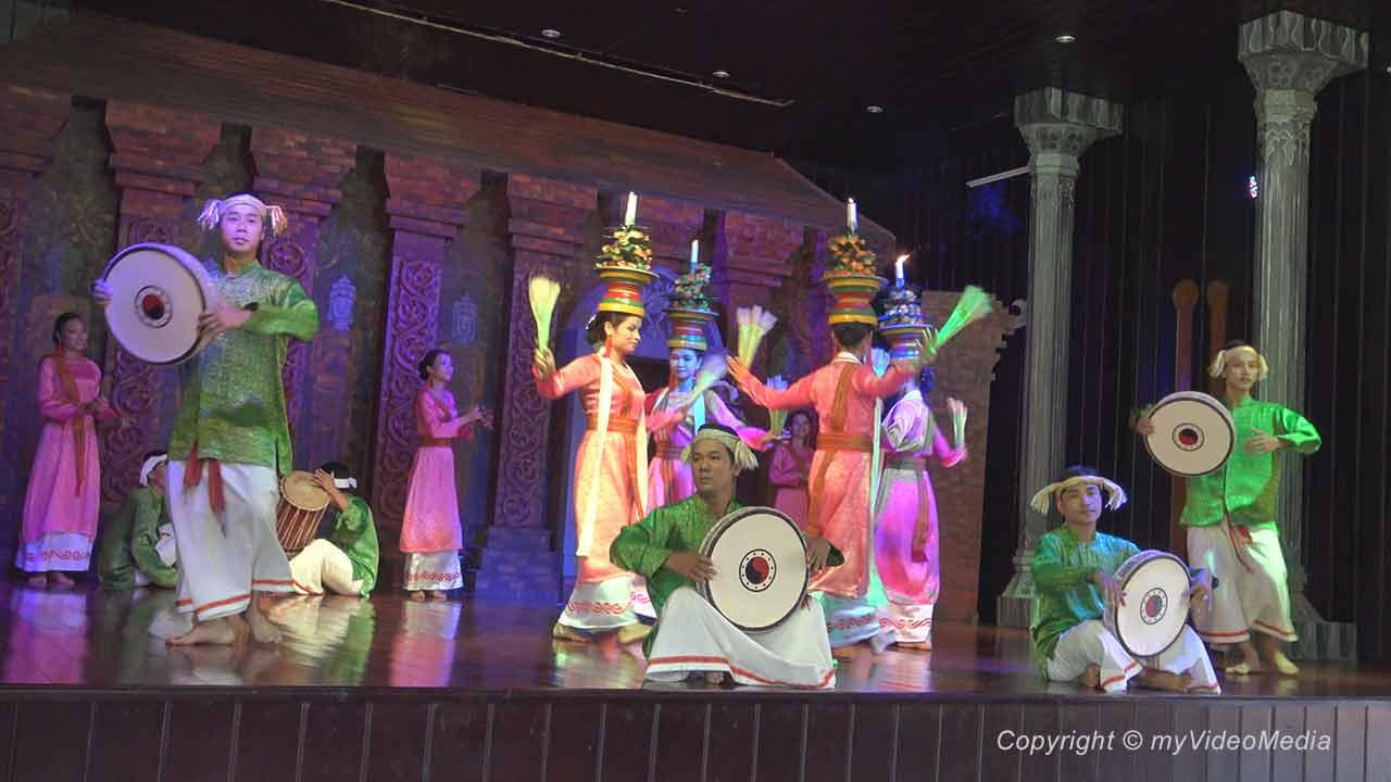 traditionelle Cham Tänze