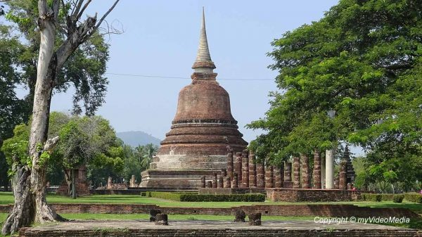 Sukhothai Historical Park - Thailand - Travel Video Blog