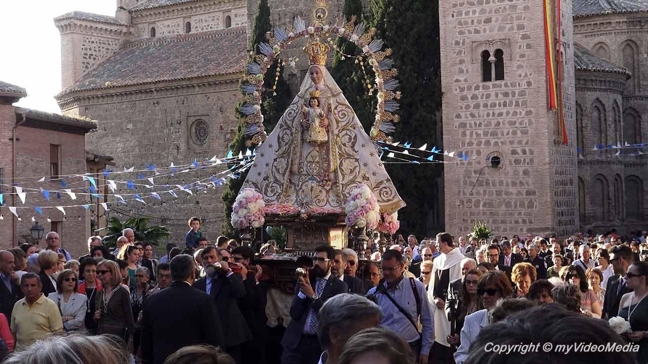 Prozession der Virgen de la Estrella in Toledo