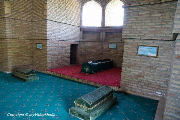 Abu Bakr Kaffal Shashi Mausoleum