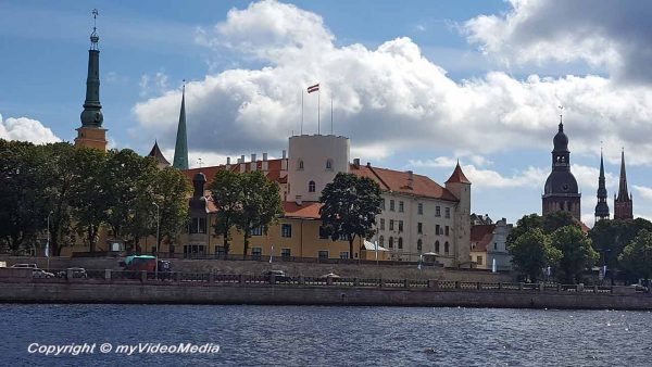 Riga Sightseeing by Canal Boat