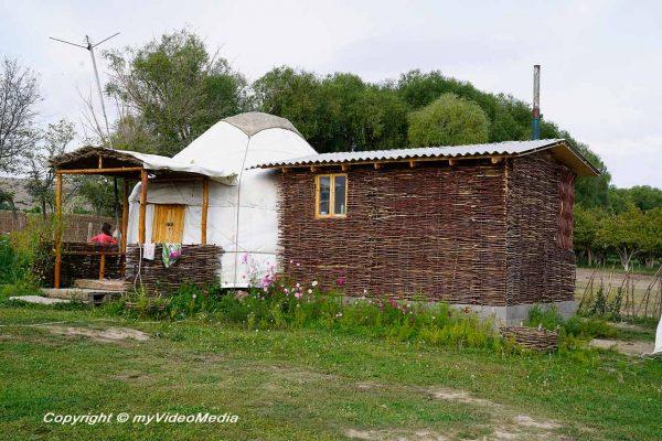 Almaluu Yurt Camp