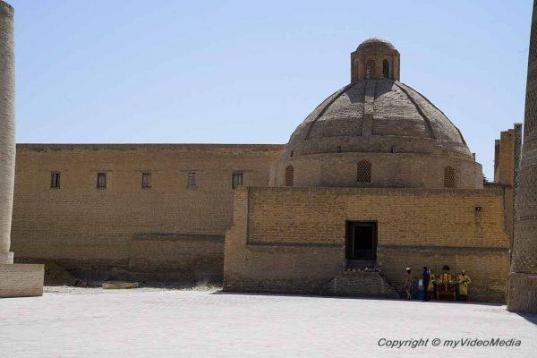 Emir Alim Khan Madrasa
