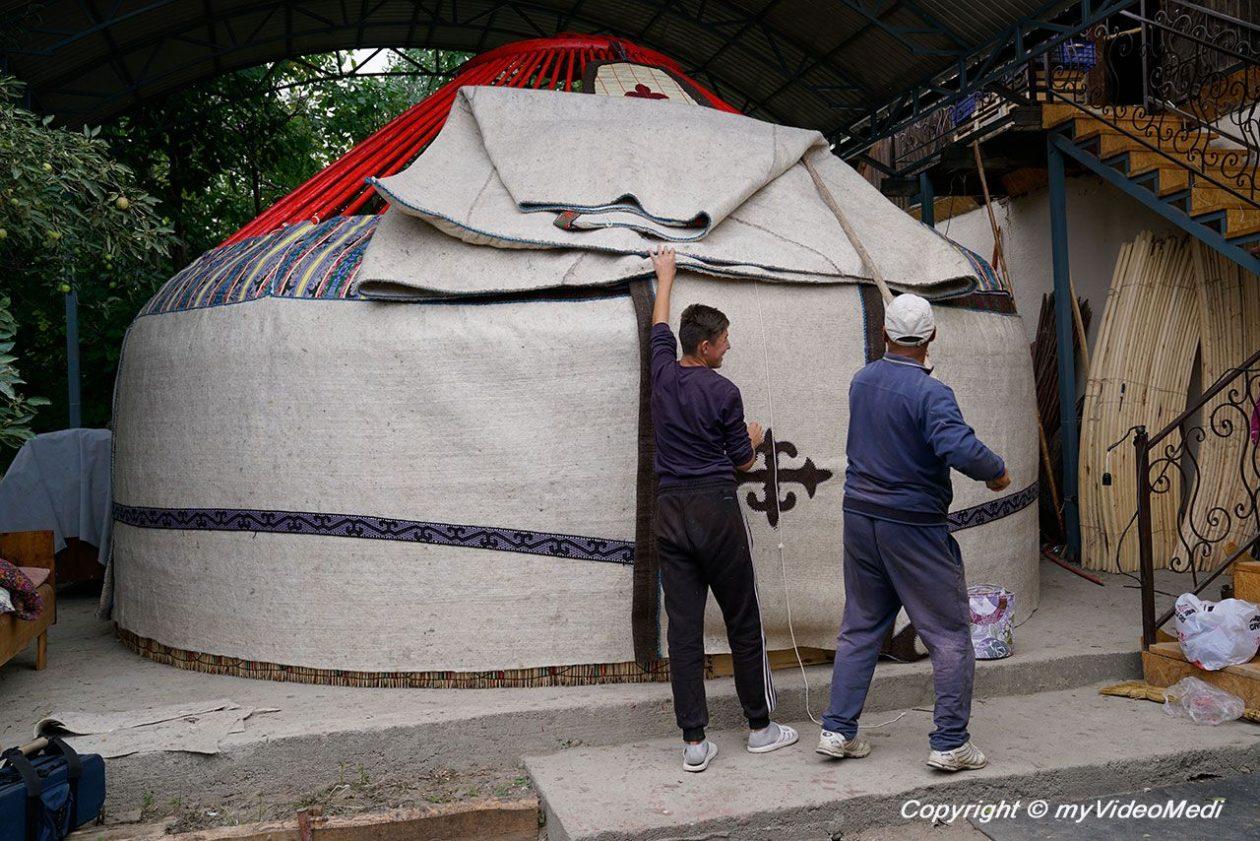 Yurt Building in Kyzyl-Tuu