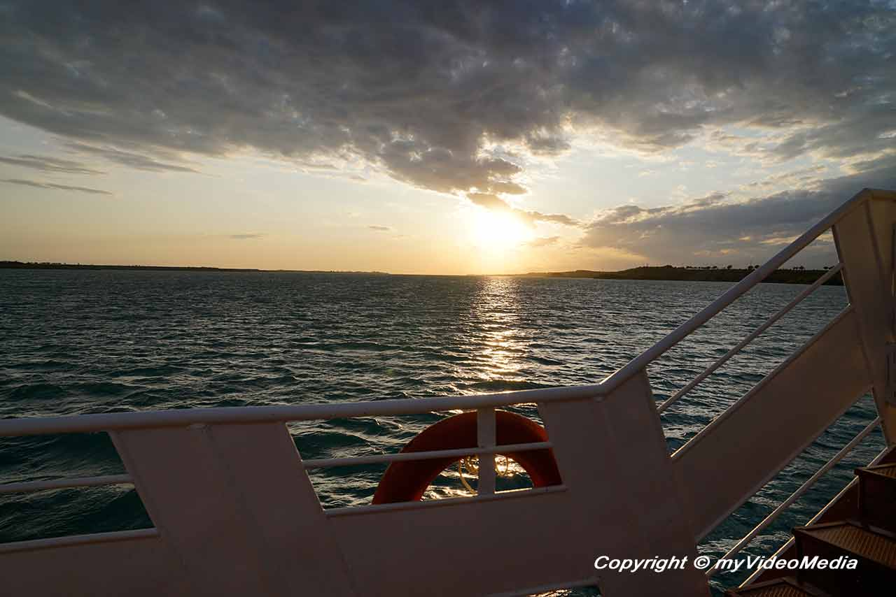 Sonnenuntergang auf dem Issyk-Kul