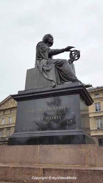 Monument Nikolaus Kopernicus Warschau