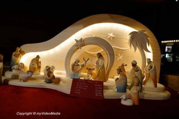 modern Christmas crib
