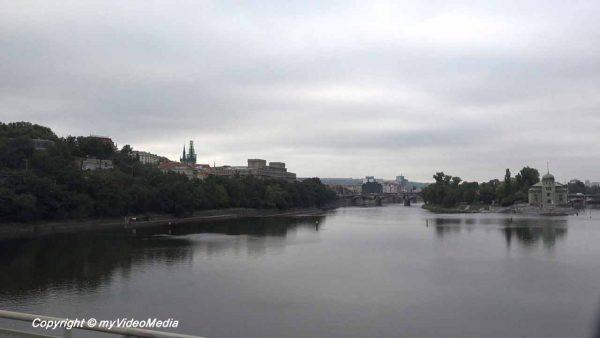 Über die Moldau