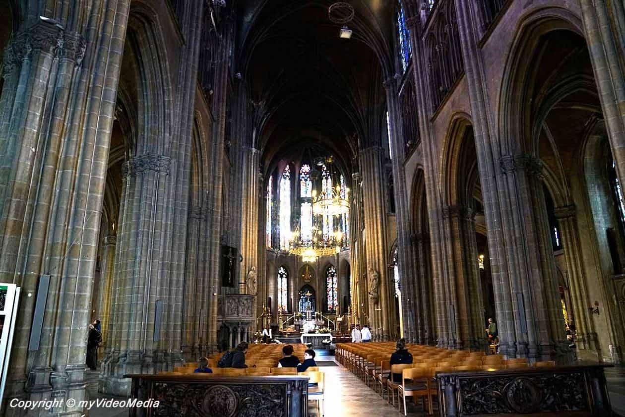 Inside Sint-Petrus-en-Pauluskerk
