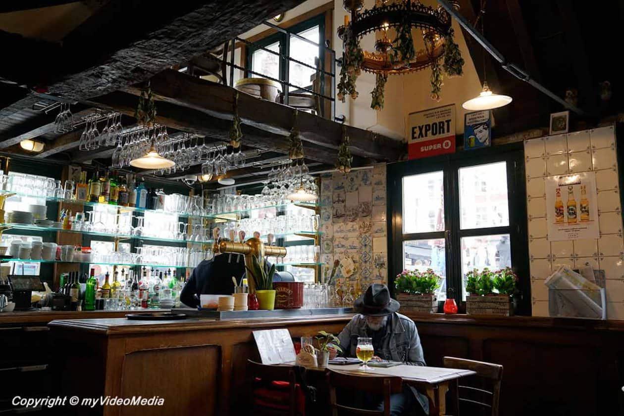 Inside café 't Galgenhuisje in Ghent