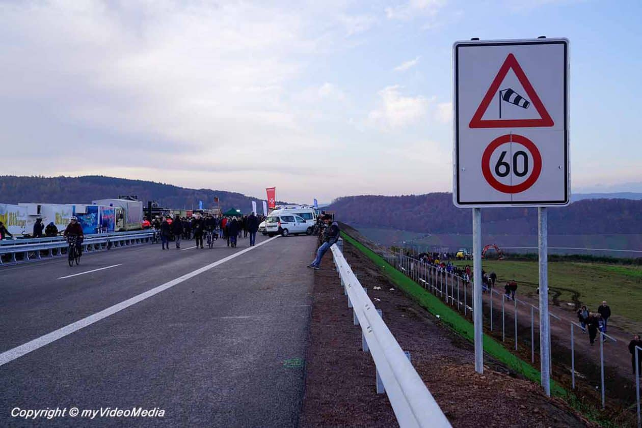 On the High Moselle Bridge